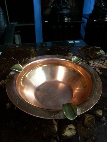 cenicero antiguo en cobre y bronce hindu