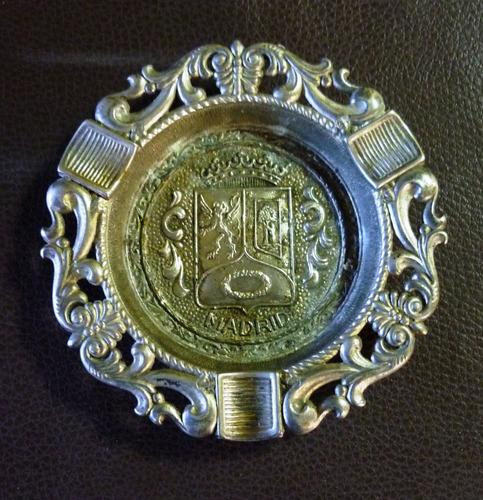 cenicero bronce madrileño