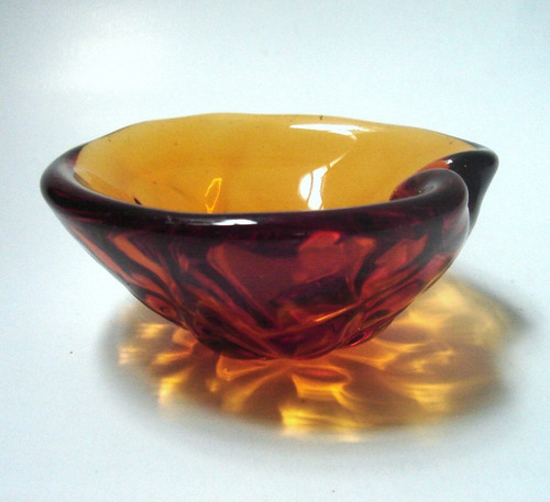 cenicero cristal murano forma concha caramelo oscuro