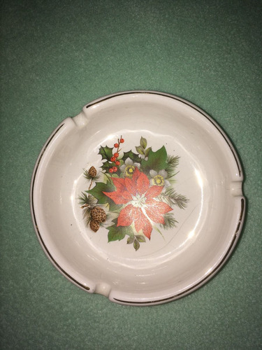 cenicero de ceramica blanca con motivo de navidad