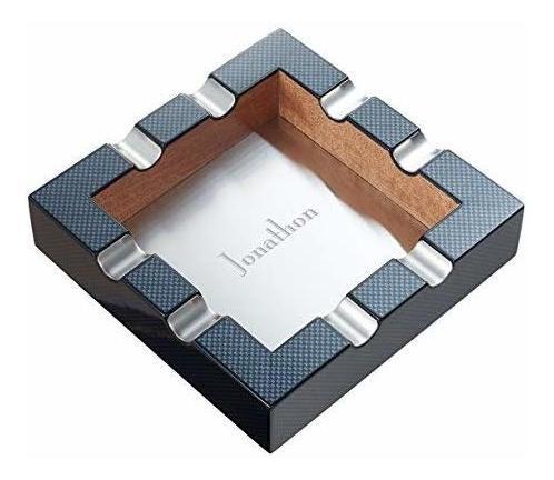 cenicero de cigarros con diseño de fibra de carbono persona