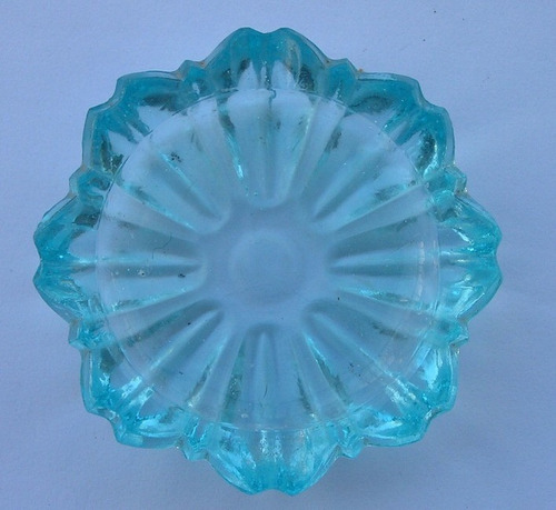 cenicero de vidrio color celeste - vintage