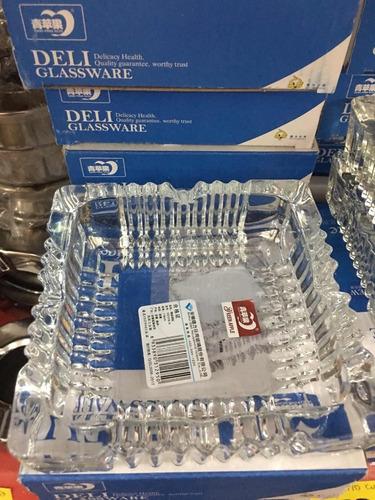 cenicero de vidrio grande