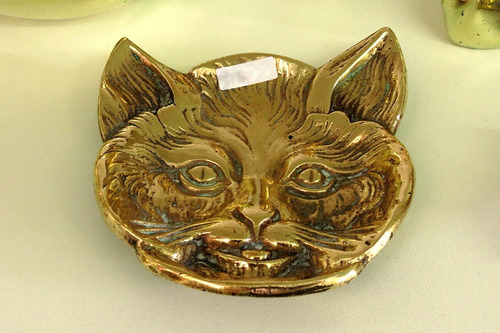 cenicero español bronce diseño gato