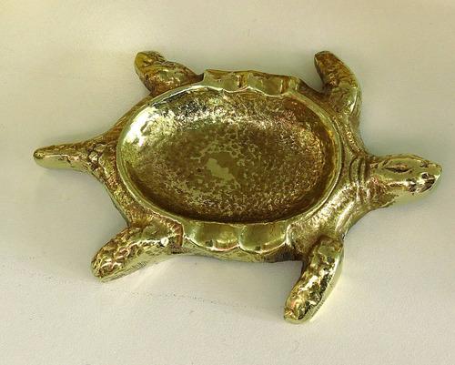 cenicero español  de bronce con tapa tortuga el restaurador