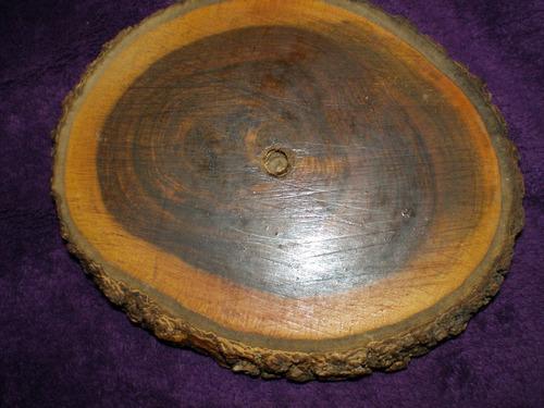 cenicero hecho con tronco de arbol