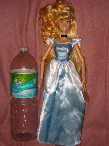 cenicienta de 43 cm disney store canta muñeca barbie monster