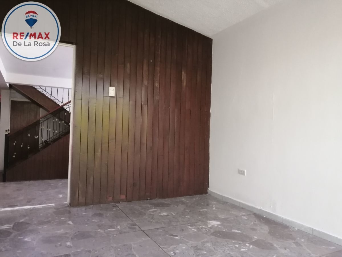 céntrica casa a venta pocos pasos de av 20 de noviembre