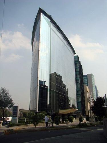 céntrica oficina ubicada en importante edificio corporativo en lomas de chapultepec.oficinas distribuidas actualmente en: 140.00 m2. oficina en 10° piso. recepción. varios privados. sala