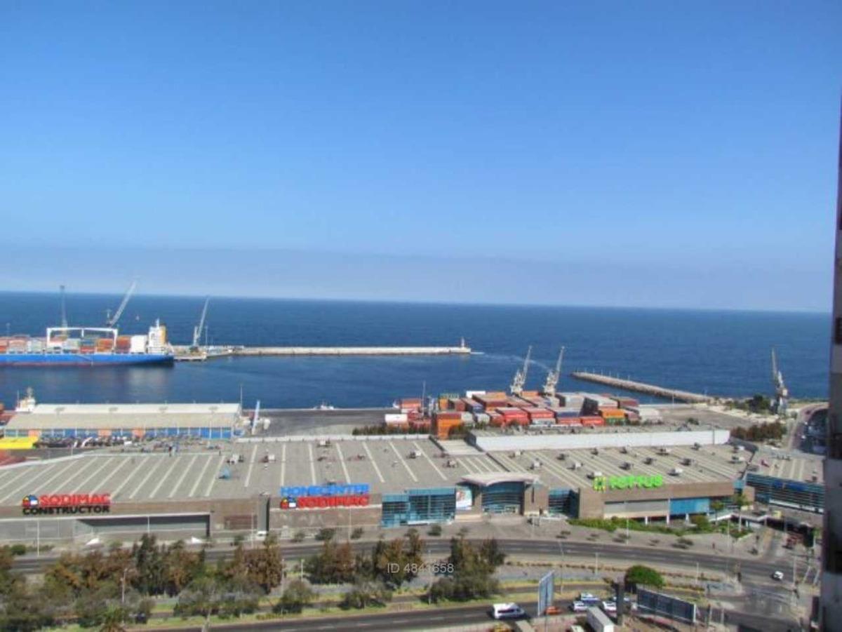 céntrico departamento con vista al mar