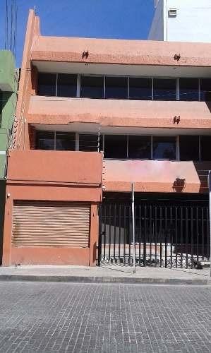 céntrico edificio en renta.