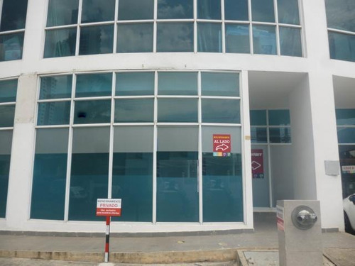 centrico local comercial en san francisco panama cv