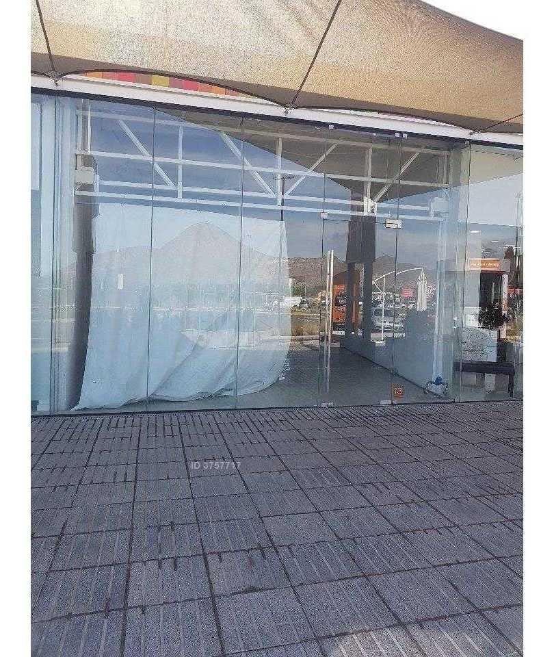 centro comercial las terrazas de chicureo
