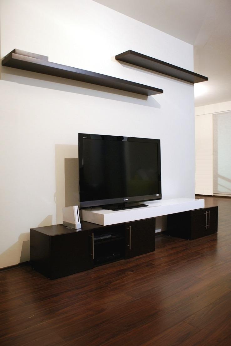 Centro de entretenimiento minimalista increible acabado for Muebles de sala de entretenimiento