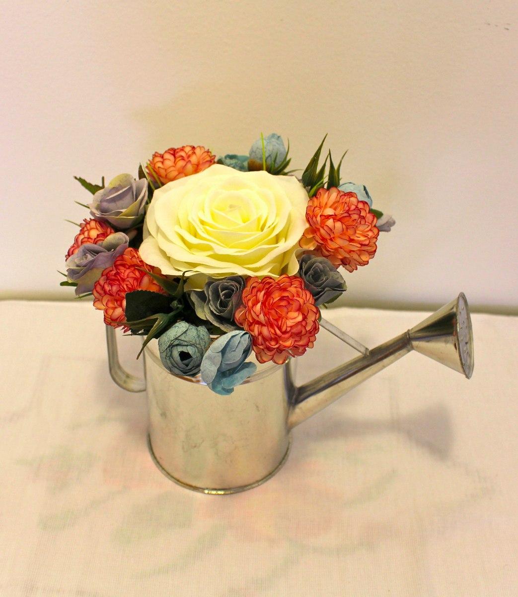 Centro de mesa arreglo flores artificiales regadera - Centro de mesa con flores artificiales ...
