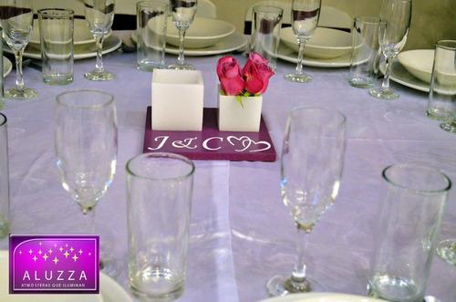 centro de mesa con pantalla y florero para boda aluzza