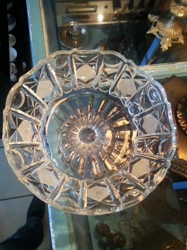 centro de mesa de cristal cortado