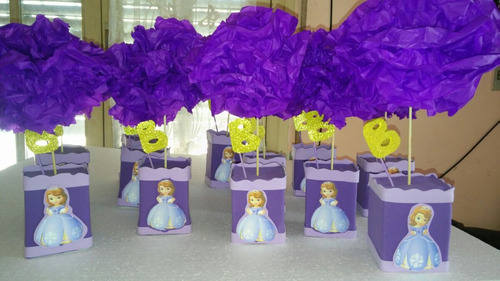 centro de mesa princesita sofía pompones