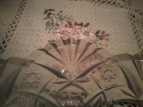 centro de mesa tallado en cristal
