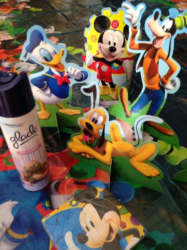 centro de mesa y mantel mickey mouse