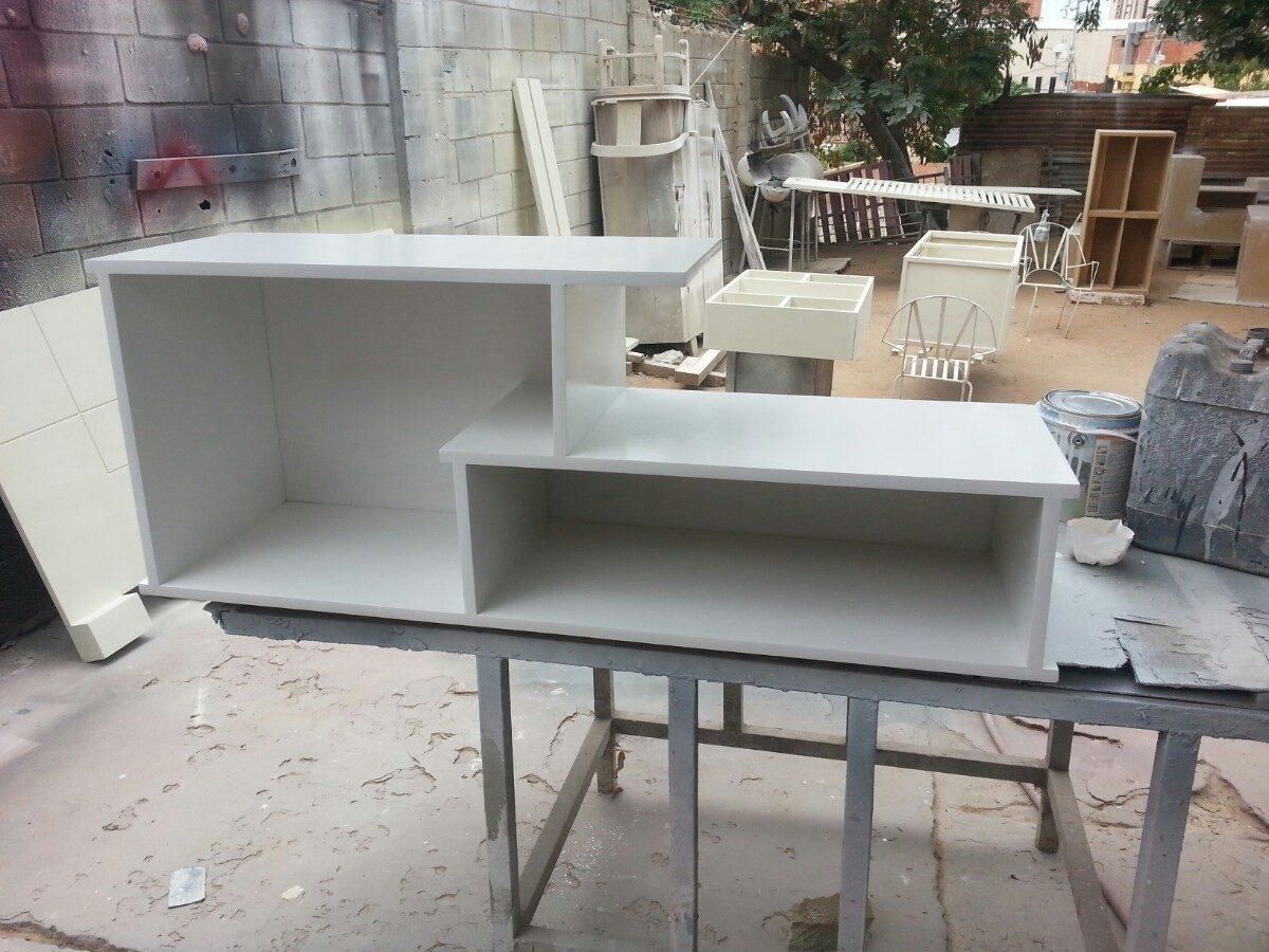 Centro de entretenimiento mueble para tv minimalista for Mueble comedor minimalista