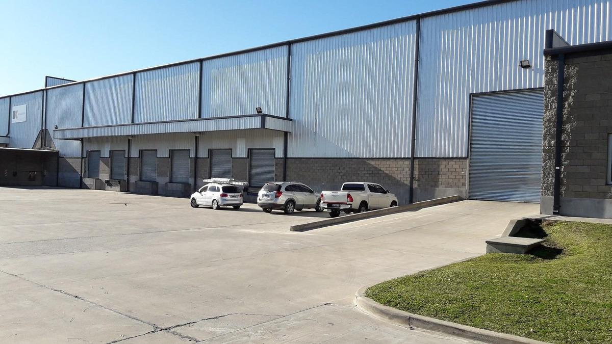 centro logistico 5000 m2 cubieros
