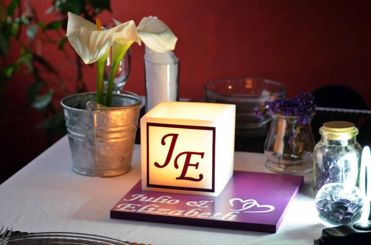 Centro de mesa para boda en tono morado y blanco aluzza - Como hacer centros de mesa de boda ...