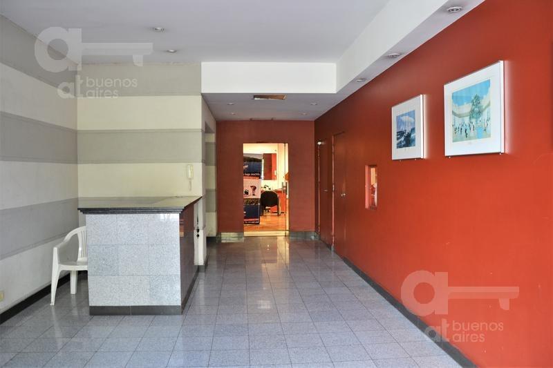 centro- monoambiente c/balcón - equipado - alquiler temporario sin garantía-