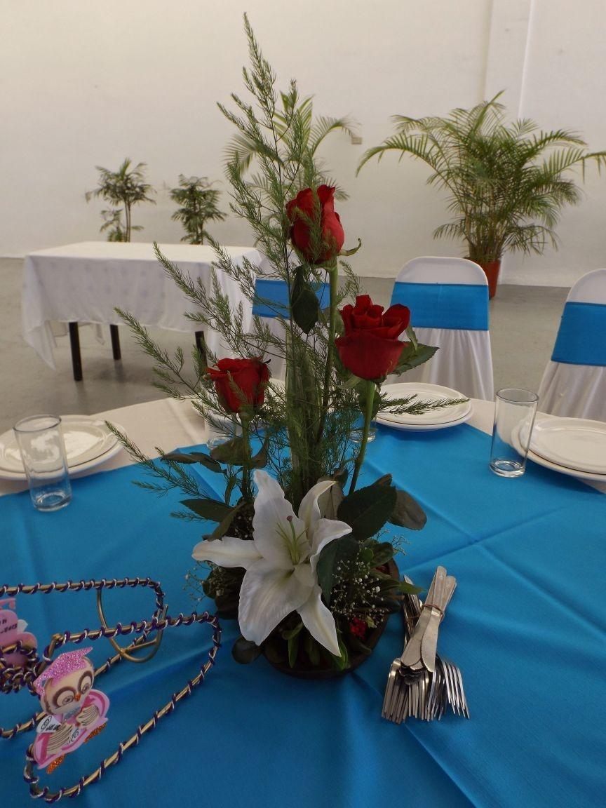 Centros de mesa arreglos florales para boda xv a os for Adornos navidenos para xv anos