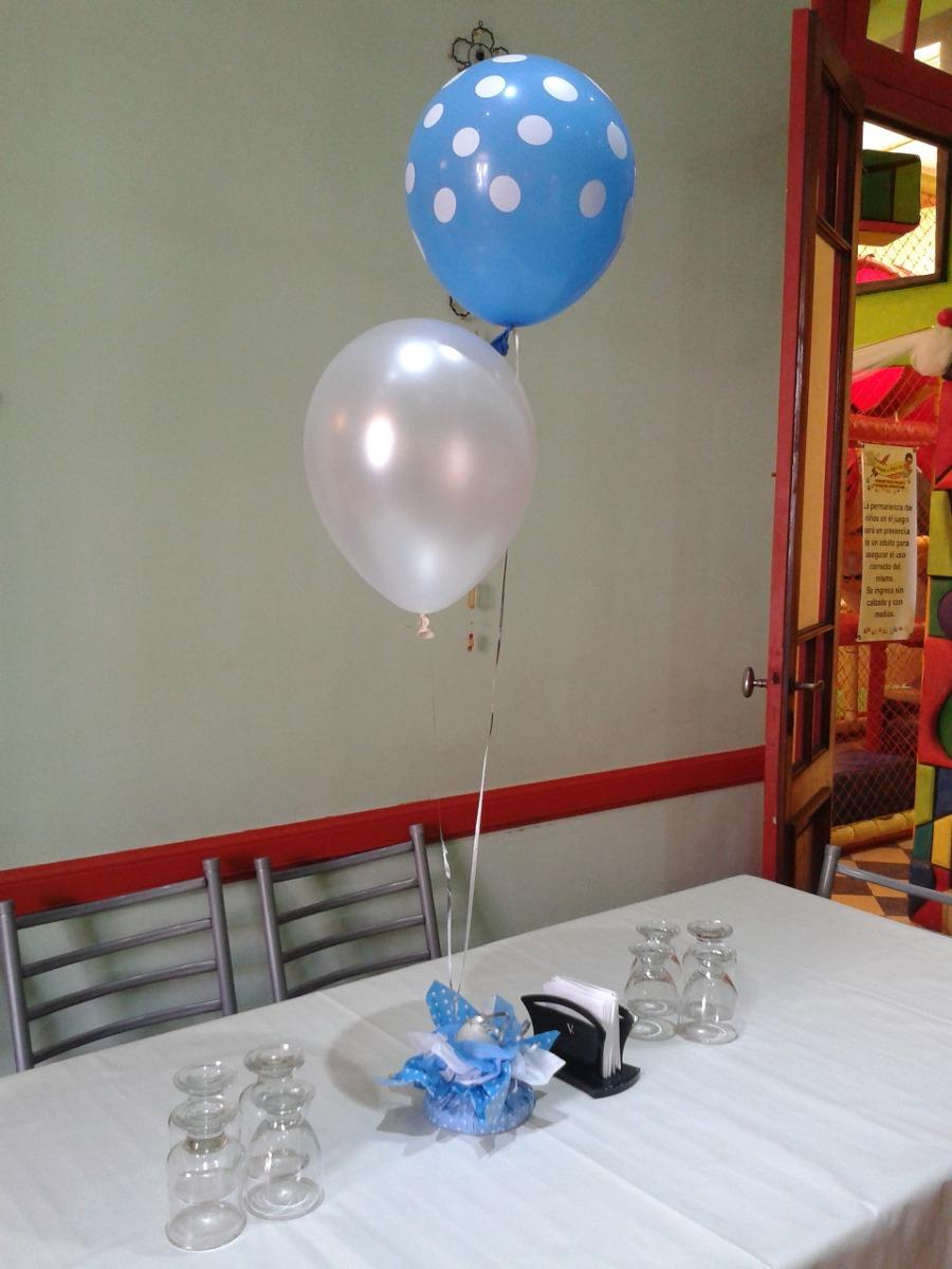 centros de mesa de dos globos con helio