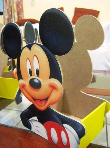 Centros de mesa de mickey mouse cajitas de madera for Mesa de cumpleanos de mickey