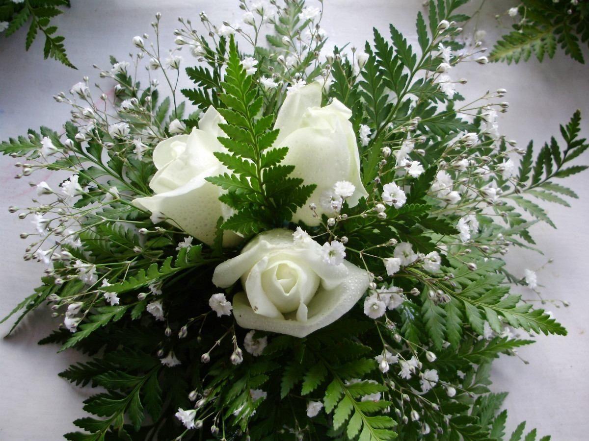 Centros de mesa flores naturales bodas 15 a os a partir for Como hacer adornos con plantas naturales