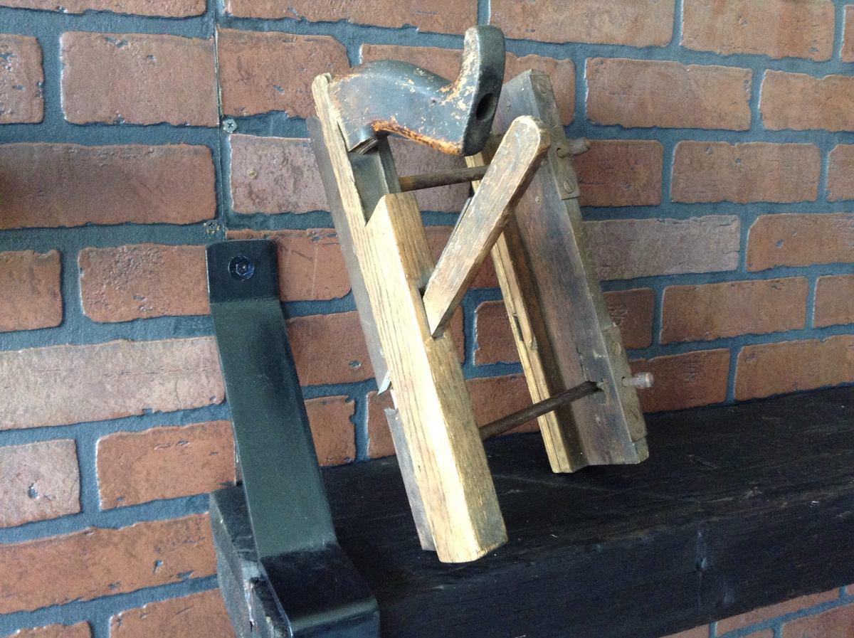 Cepillo antiguo de carpintero para canaletas de madera for Canaletas para techos de madera