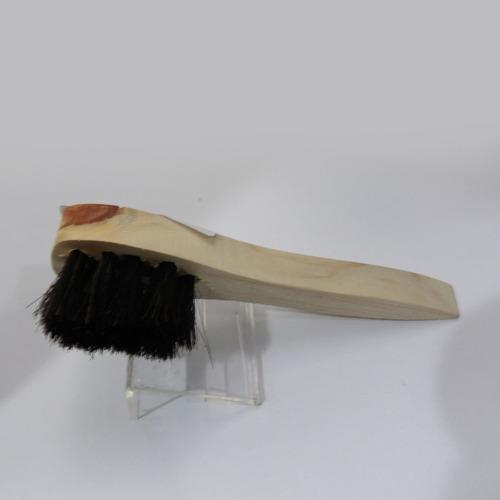 cepillo negro para pomada
