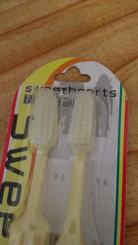 cepillos de dientes en ropa interior x 2-oferta!