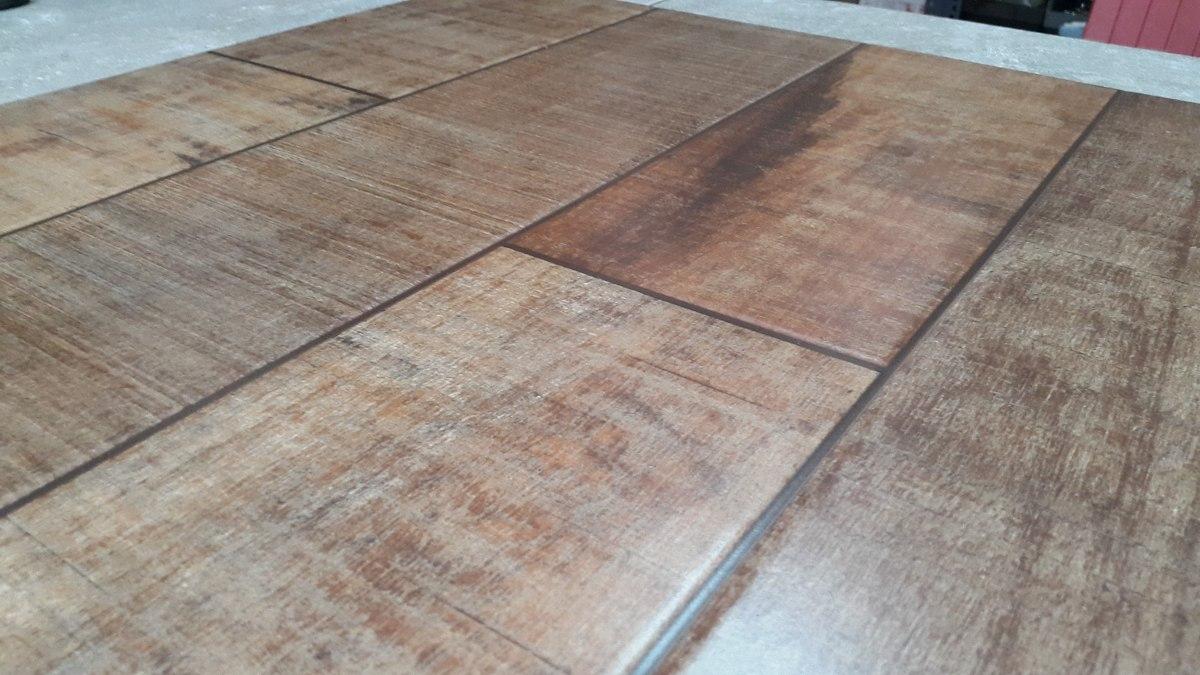Ceramica tipo madera oscura 57x57 350 00 en mercado libre for Revestimiento tipo madera