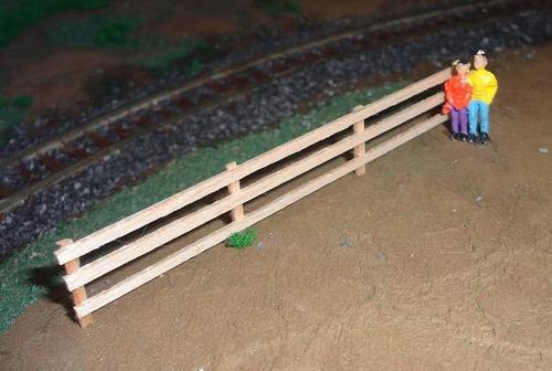 cerca em madeira (balsa) 1:87 ho 2un (aprox. 12 x 1,70cm)