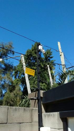 cerco eléctrico de 4 hilos para 25 metros instalado