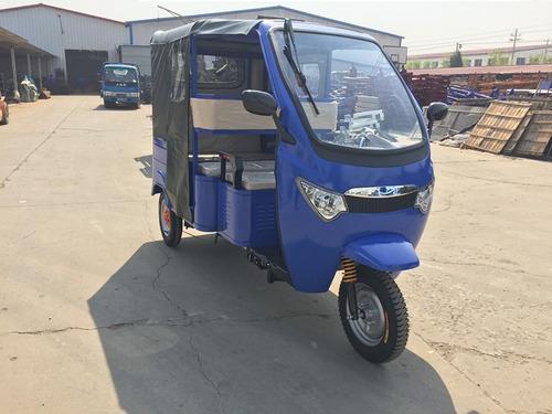 cero emisiones vehiculo eléctrico incluye baterias moto taxi
