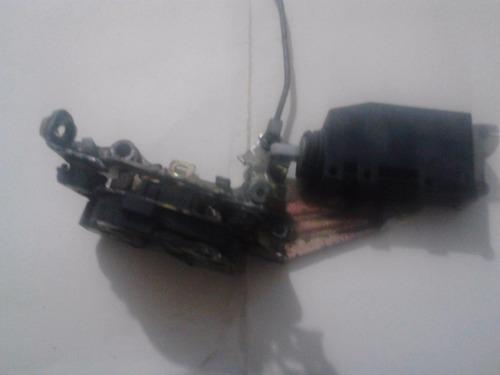 cerradura de puerta corsa delantera derecha con solenoide