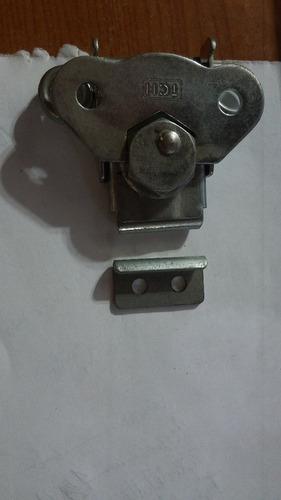 cerradura o broche tch para racks o case en 10verdes c/u