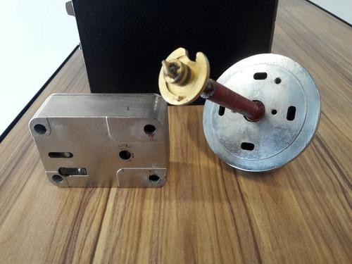 cerradura, o chapa mecánica mosler para caja fuerte.