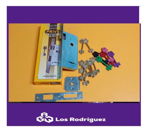cerradura prive 200 + 8 copias en bronce o polímeros.