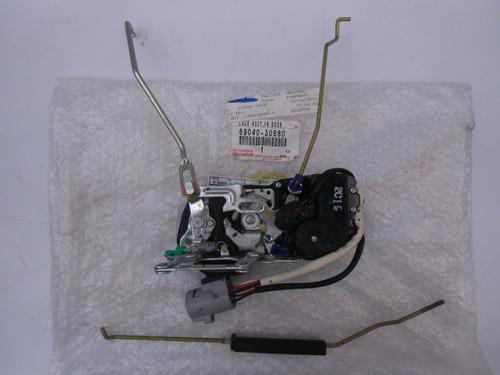 cerradura puerta delantera izquierda crown orig 6904030680