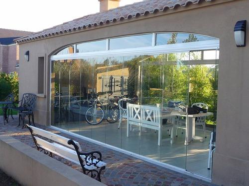 cerramiento de vidrio y aluminio galeria con arcadas