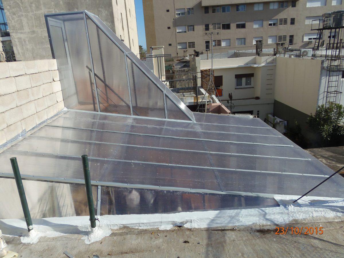 Cerramientos aluminio hierro barbacoas techos escaleras - Escaleras de techo ...