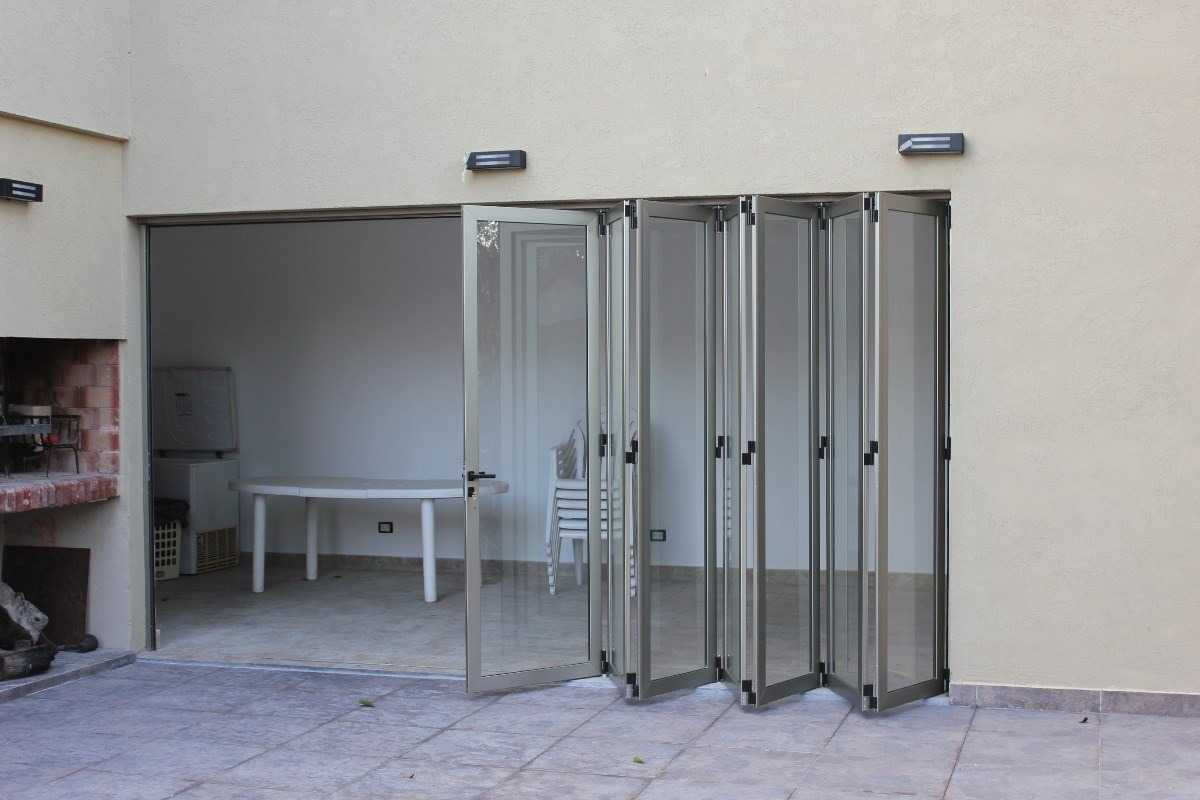 Cerramientos en aluminio y vidrio o policarbonato en - Puertas para cerramientos ...