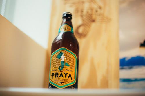 cerveja praya 600ml caixa (6 unidades)