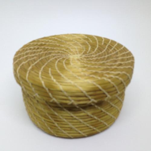 cesta com tampa ( decor ou porta joias) em capim dourado
