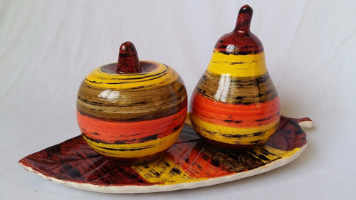 cesta decorativa com trio de bolas decoração vasos e arranjo